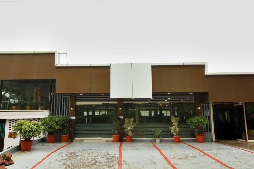 Hotel Igloo Residency